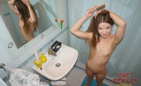 Skinny and fit webcam teen Mia from She Devils