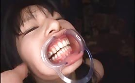 Weird and messy Japanese full mouth irrumatio sex